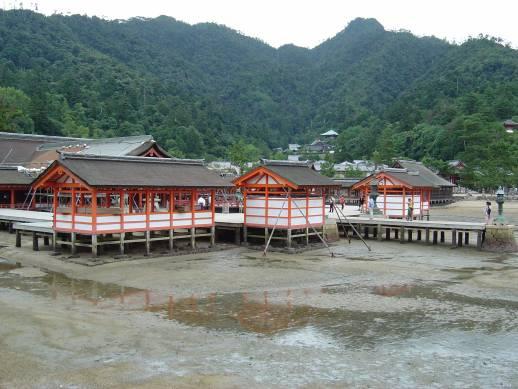 海側から見た厳島神社
