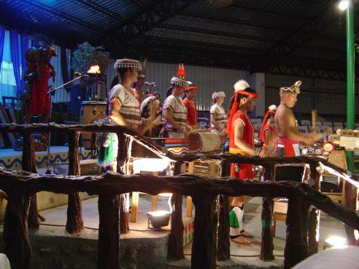 アミ族の踊りと演奏