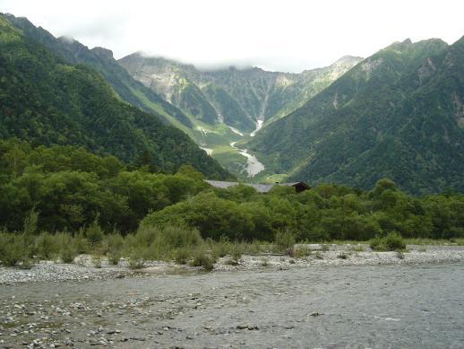 穂高岳の万年雪