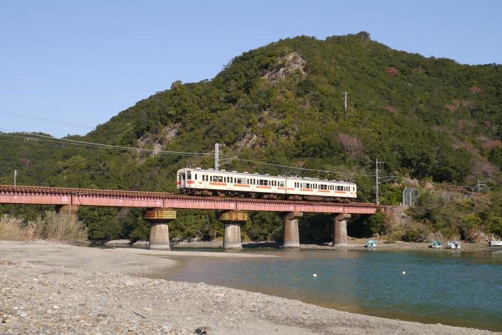 湯川橋梁 普通列車